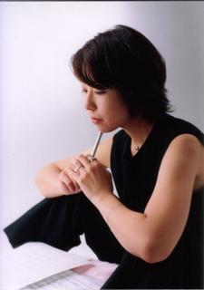mac-dep-de-thanh-cong-tac-gia-Nishimura-Yukiko